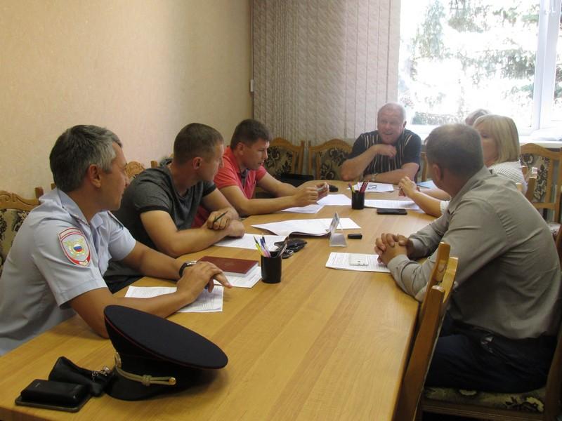 Заседание постоянной комиссии по вопросам законности, правопорядку и контролю органов местного самоуправления