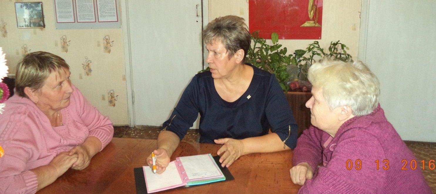Депутаты Совета провели прием избирателей в своем округе
